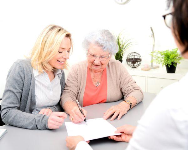 遺産分割協議書のひな形をダウンロードして自分で簡単に作成する方法