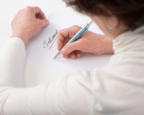 遺言書の書き方をケースに応じた9つの例文でわかりやすく簡単に説明