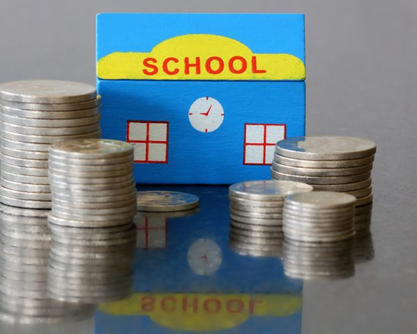 教育資金贈与は都度贈与なら元々非課税!制度利用で一括でも非課税に