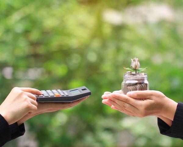 暦年課税とは?暦年課税と相続時精算課税はどちらが得か?
