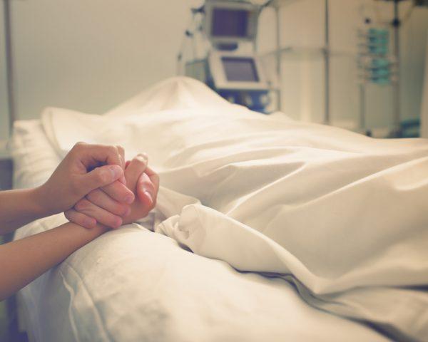 死亡届の書き方と必要書類、死亡に伴う各種手続をわかりやすく説明