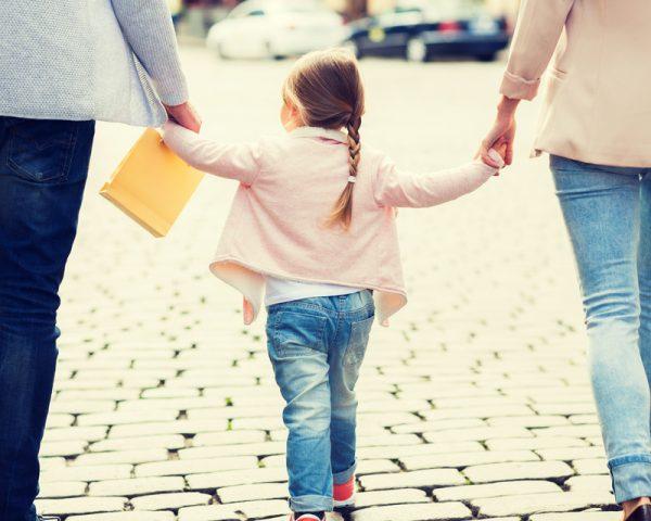 養子縁組届の書き方を再婚・婿養子等のケース別の記入例(見本)で説明