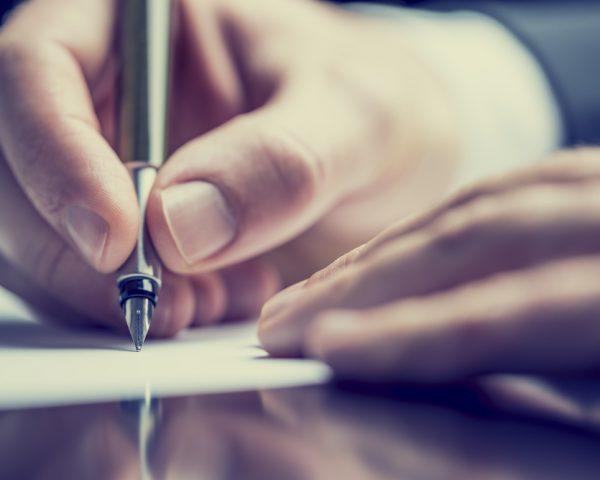 自筆証書遺言が無効となるケースとケース別の正しい書き方を完全解説