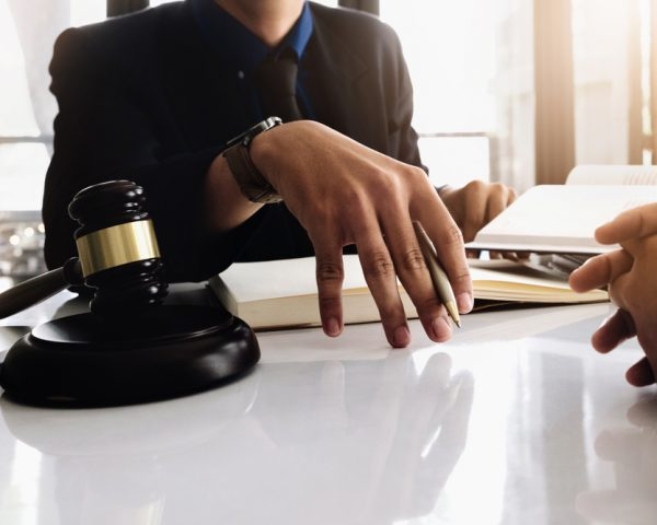 遺産分割協議書を雛形から自分で作成して法務局に提出するための知識