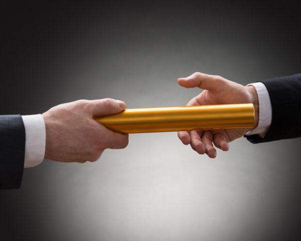 事業承継を成功させるために経営者が知っておくべき選択肢と実施手順