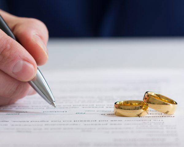 死後離婚を検討する嫁も、されることを恐れる姑も知っておくべきこと