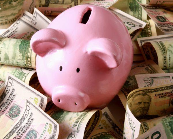 タンス預金でも相続税や贈与税はかかる?申告しなくても大丈夫?