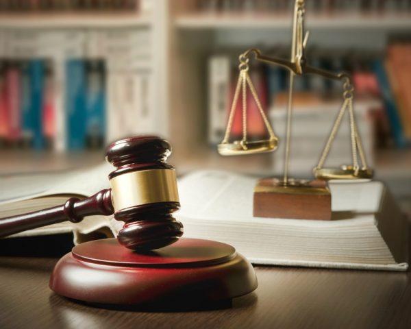相続放棄を弁護士に頼むメリットと費用、弁護士の選び方と流れ