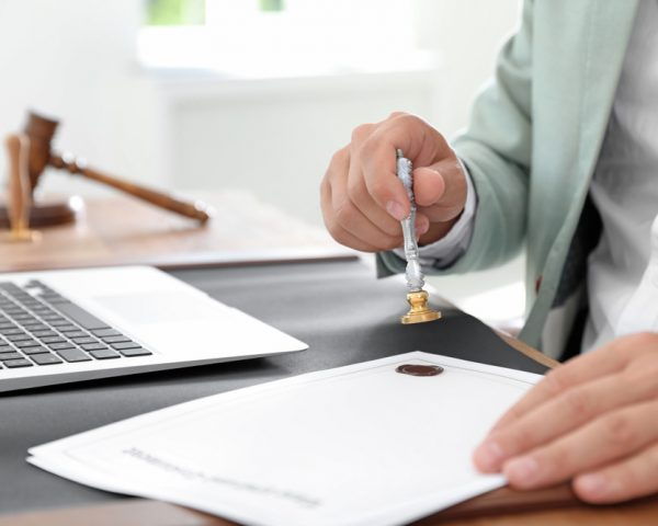 遺言執行者に司法書士を指定するメリットと費用・報酬の相場